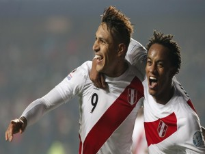 """Guerrero y Carrillo (Perú) felices tras golear a Paraguay """"Copa América Chile 2015"""""""