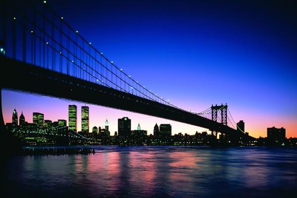 Puente visto al amanecer