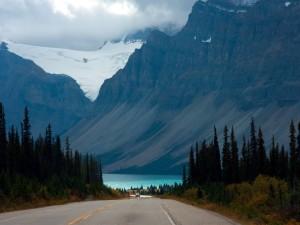 Carretera hacia el lago
