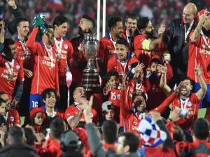 """Jugadores de la Roja con la """"Copa América Chile 2015"""""""