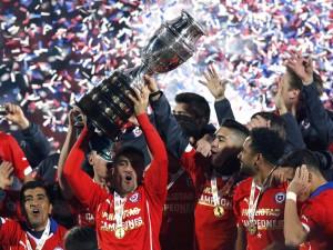 """Chile alzando la """"Copa América Chile 2015"""""""