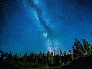 Vía Láctea vista al amanecer