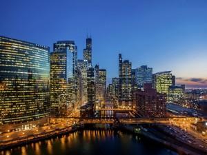 Edificios y río en Chicago