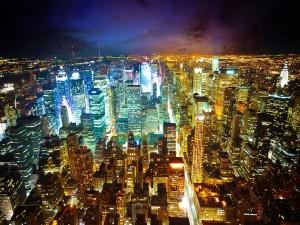 Nueva York iluminada en la noche