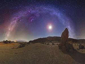 Vía Láctea sobre el Parque Nacional del Teide (Canarias, España)