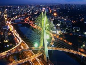 Puente en Sao Paulo (Brasil)