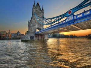 Puente de la Torre sobre el Támesis (Londres)