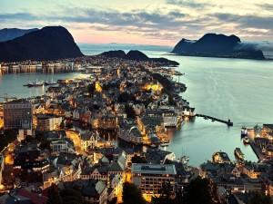 Bonita vista de Alesund (Noruega)