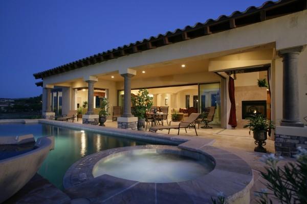 Casa con piscina y jacuzzi