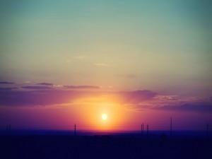Un bonito sol al amanecer