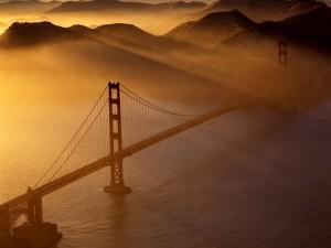 Bruma sobre el puente de San Francisco