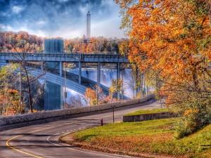 Puente junto a las cataratas del Niágara (Ontario, Canadá)