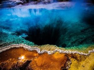 Interior de la Gran Fuente Prismática (Parque Nacional de Yellowstone)