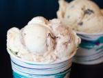 Dos tarrinas con rico helado