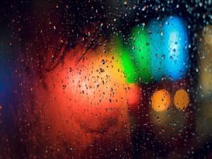 Lluvia y vaho en un cristal