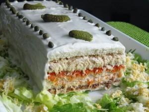 Pastel salado de sándwiches