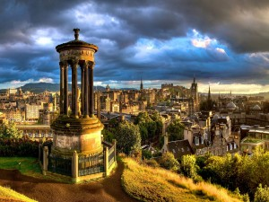Hermosa vista de Edimburgo  (Escocia, Reino Unido)