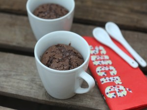 Dos mug cake de chocolate