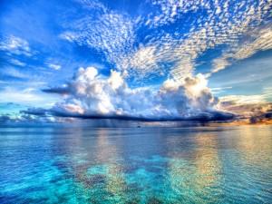 Nubes sobre una isla