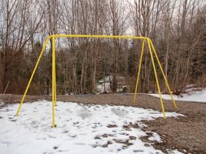 Nieve bajo el columpio