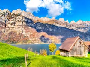 Cabaña con vistas al lago y las montañas
