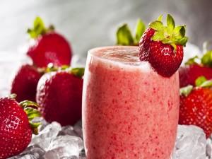 Un rico smoothie de fresas