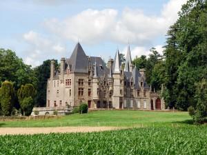 El bonito castillo de Bois-Cornillé (Francia)