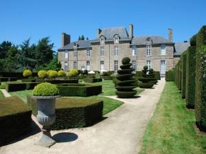 Jardines del castillo de la Ballue (Francia)