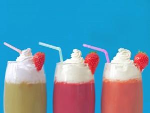 Smoothies de frutas con nata
