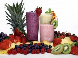Smoothies y frutas frescas
