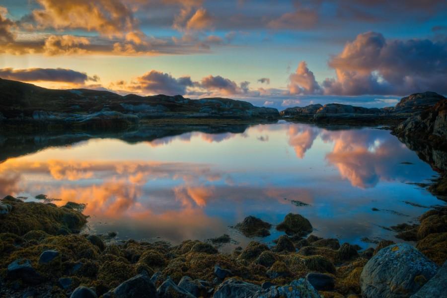 Cielo reflejado en el lago
