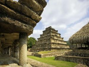 Pirámide de los Nichos (Veracruz, México)