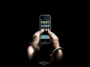 Encadenado al teléfono