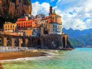 La bella Atrani (Costa de Amalfi, Italia)