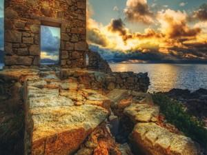 Casa en ruinas junto al mar