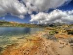 La orilla de un lago