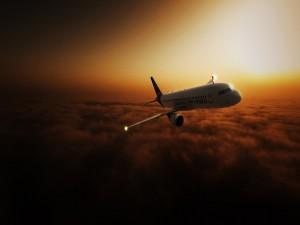 Airbus volando al amanecer