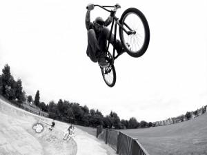 Gran salto en bici