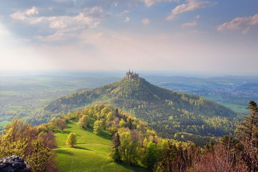 Castillo en lo alto de la colina