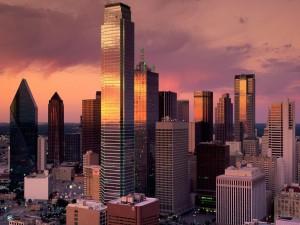Vista de los rascacielos al atardecer (Dallas, Texas)