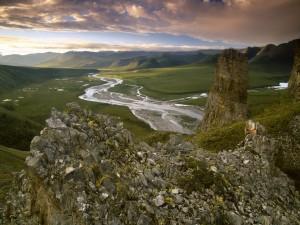 Contemplando el río y el valle