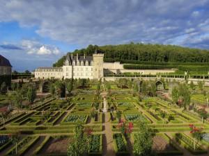 Hermosos jardines en un castillo