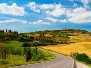 Carretera rural en la Toscana