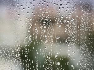 Gotas de lluvia en el cristal