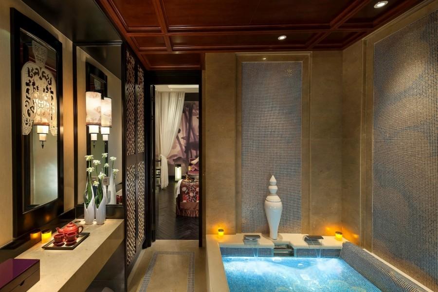 Baño Estilo Oriental:Acogedor baño estilo oriental con jacuzzi (67330)