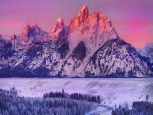 Nieve en el valle y las montañas