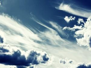 Varias nubes en el cielo
