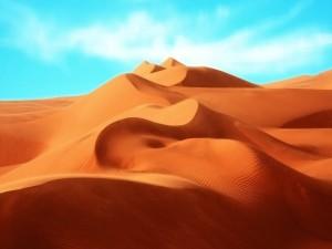 Cielo azul en el desierto