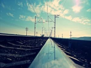 Reflejo en la vía del tren