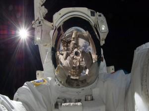 Hermosa foto de un astronauta